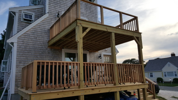 Cedar Deck w/Stainless Steel Railing